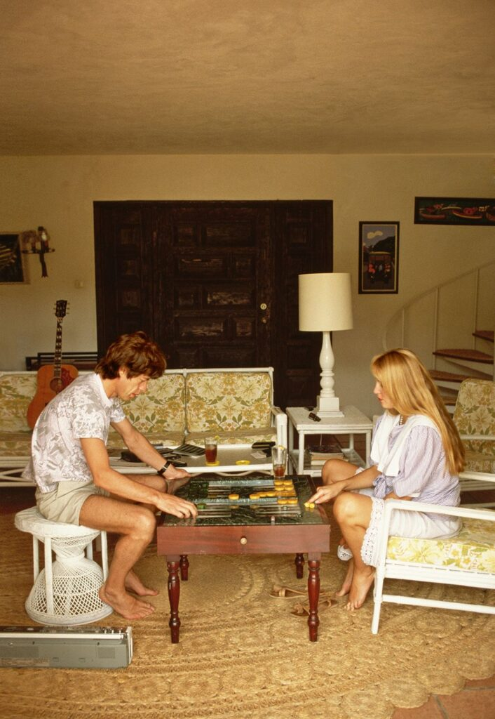 Mick Jagger and Jerry Hall mid-game in the Bahamas