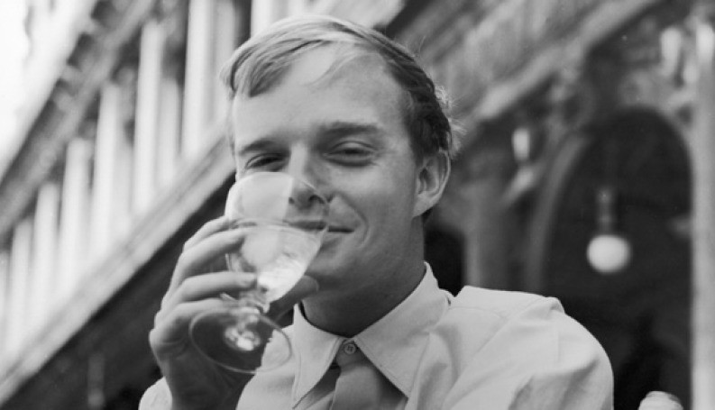 Truman in Venice, presumably hydrating between cocktails