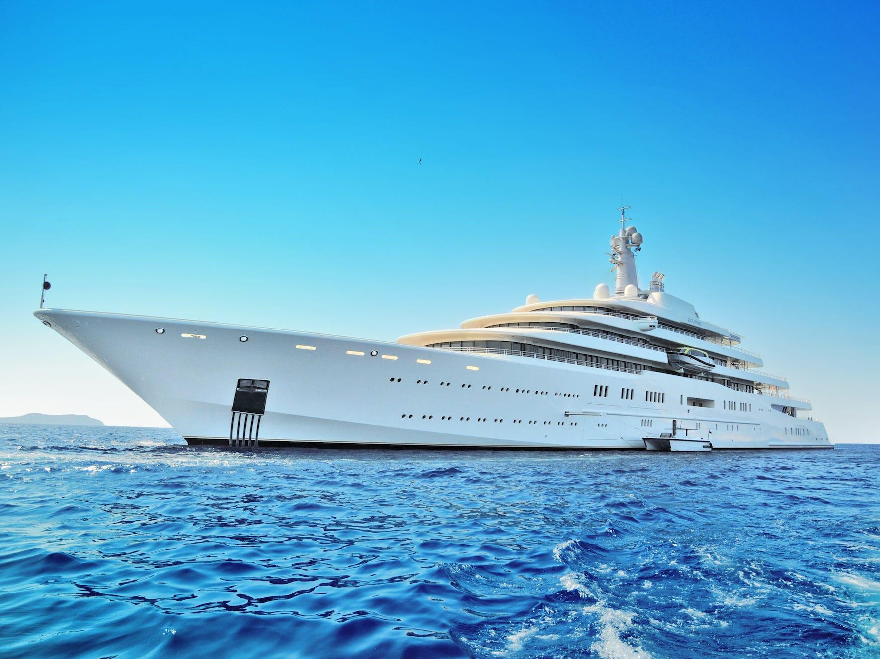 yacht1 1