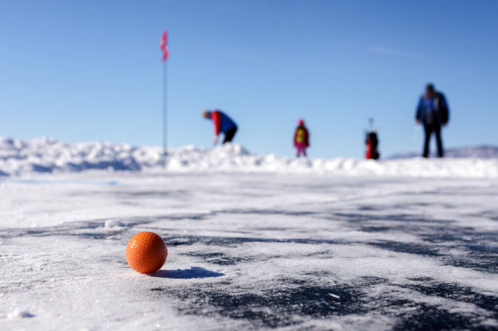 Play a round of golf on Lake Baikal - russia