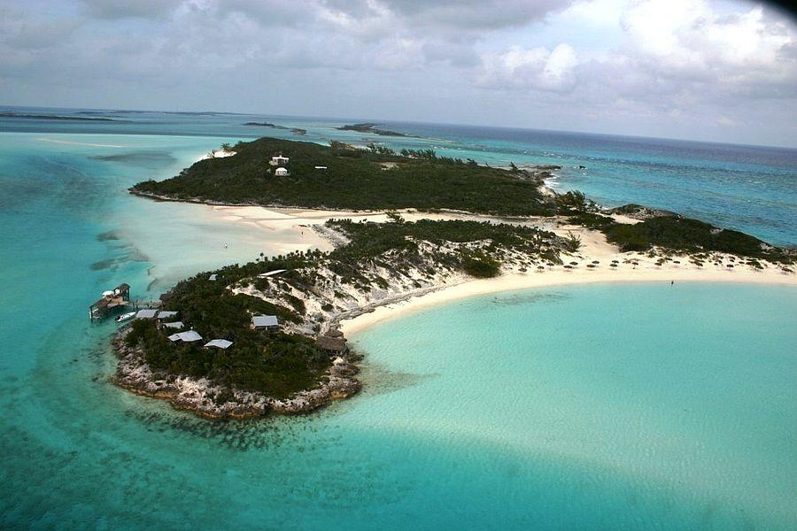 Private Islands - Saddleback Cay - Bahamas