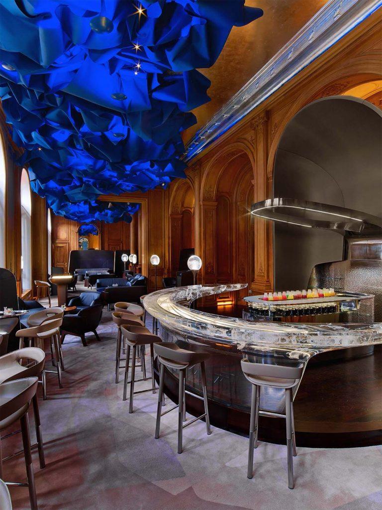 Le Bar at Plazza Athénée – Paris Fashion Week