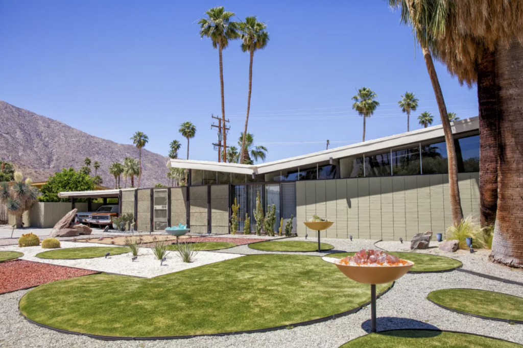 Architects Palmer and Krisel and the Alexander Construction Company built this house — Palm Springs